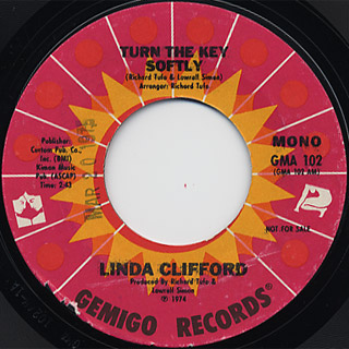 Linda Clifford / Turn The Key Softly (Stereo) c/w (Mono) back
