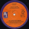 Stylistics / The Lion Sleep Tonight c/w Fly!