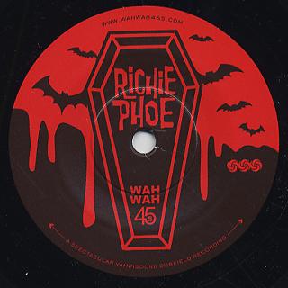 Richie Phoe / Thriller back