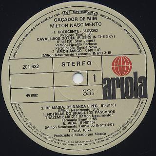 Milton Nascimento / Cacador De Mim label