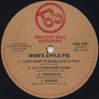 Mom's Apple Pie / S.T. label