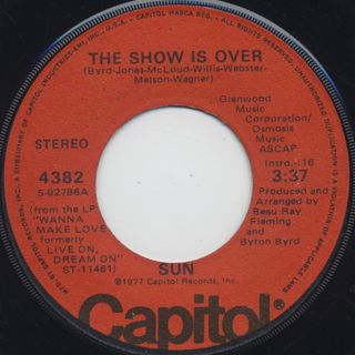 Sun / The Show Is Over c/w Boogie Bopper
