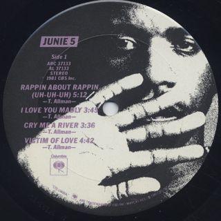 Junie / 5 label