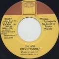 Stevie Wonder / Do I Do c/w Rocket Love