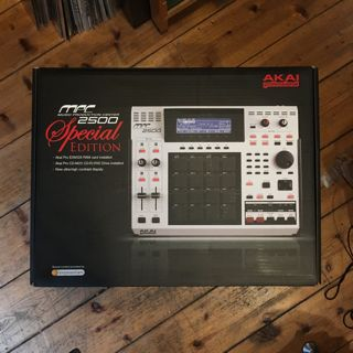 AKAI MPC2500 Special Edition label