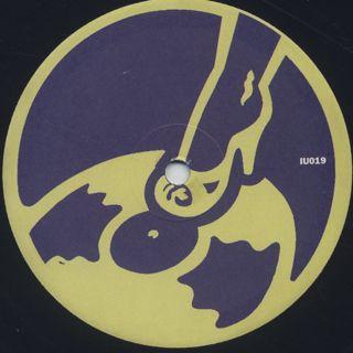 Funkestra / Un Bom Motivo label
