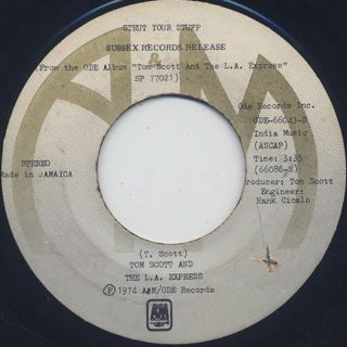 Tom Scott And The L.A. Express / Strut Your Stuff c/w Sneakin' In The Back